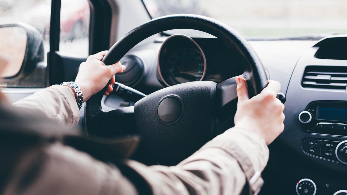 köra manuell bil med automat körkort