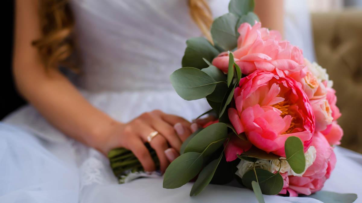 kvinna att gifta sig med sin far efter 2 år av dating mest rankade internationella dejtingsajter